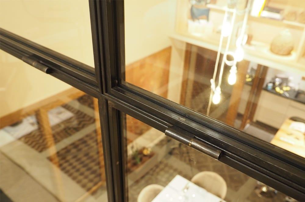 Réalistion d'un verrière pour un appartement contenporain